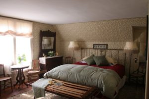 Cayuga Lake Bed and Breakfast Gets a Facelift: The National Geographic Room 5