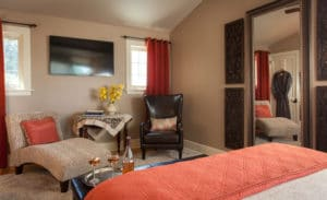 Gothic Eves Room Highlight: The Updated Pinot Suite 6